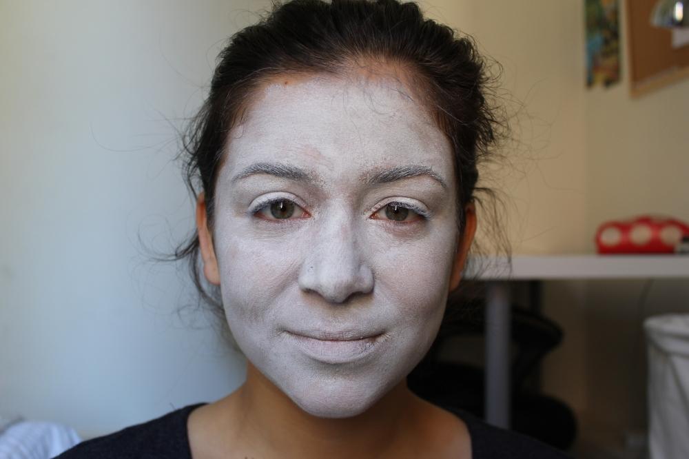 1 white face